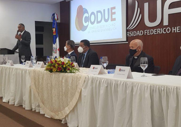 CODUE juramenta a Feliciano Lacen Custodio para el periodo 2021-2023