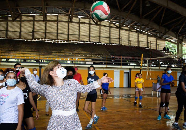 Raquel Peña y ministro de Deportes reinauguran este viernes el polideportivo de Tamboril