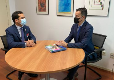 Omar Fernández analiza con liderazgo español iniciativas para recuperación económica