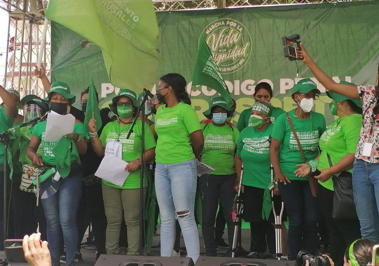 En marcha por las tres causales, exigen al presidente Abinader observar Código Penal si no las contempla