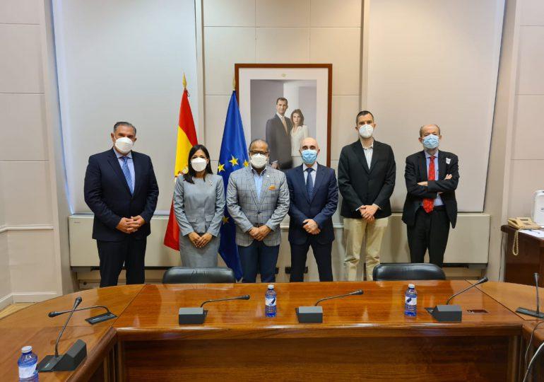 La JAC se reúne con Aeronáutica Civil de España para establecer servicios aéreos