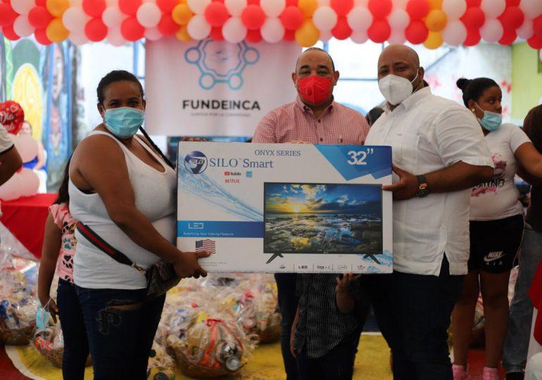VIDEO | FUNDEINCA entrega raciones alimenticias y electrodomésticos a madres de Capotillo