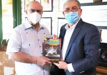 Hipólito Mejía recibe en su hogar a Carlos Amarante Baret