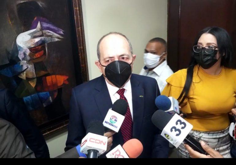 Presidente de ADARS dice también está de acuerdo con aumento a honorarios de  médicos