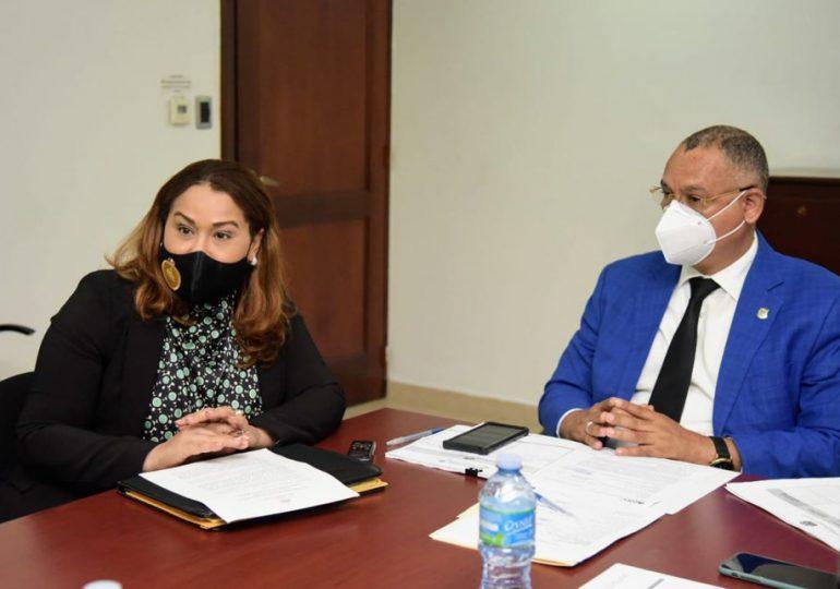 Ministra de la Mujer aboga por una reforma integral con sanciones contra los agresores