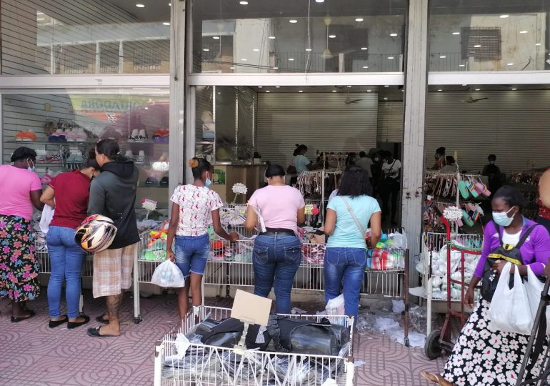 VIDEO | Se activan comercios en celebración del Día de las Madres; vendedores se quejan por pocas ventas