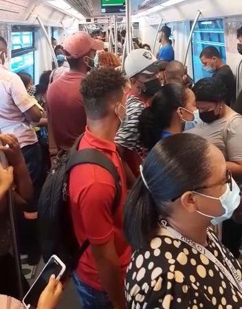 VIDEO | Ciudadanos preocupados por aglomeraciones en Metro de Santo Domingo