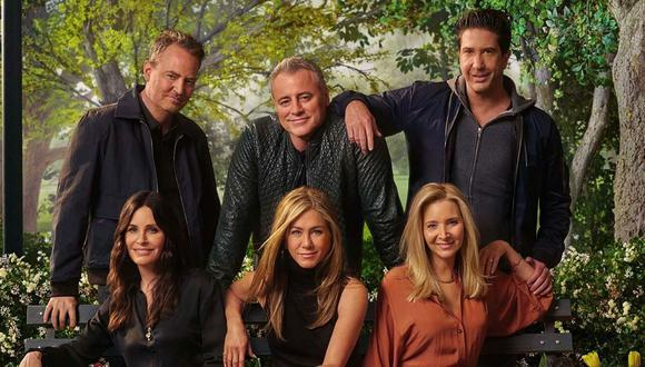 "Elenco de la serie ""Friends"" vuelve a reunirse tras 17 años, mira como lucen"