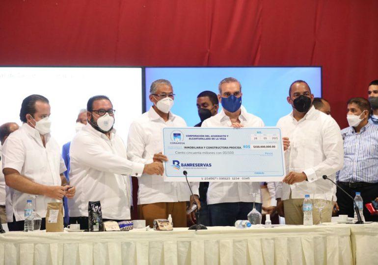 VIDEO | Gobierno entregó RD$7.5 millones a la Asociación de Caficultores de Jarabacoa