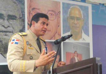Adán Cáceres: ningún militar está obligado a obedecer una orden que contraponga los parámetros éticos