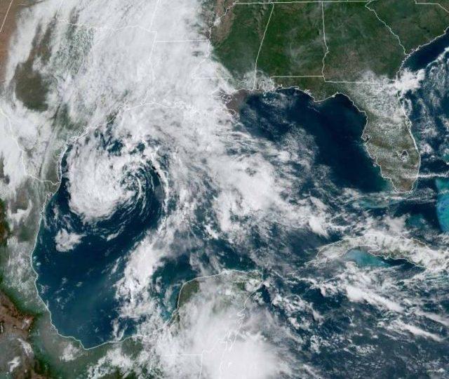 Tormenta Ana, primera del año en el Atlántico se forma cerca de Bermudas