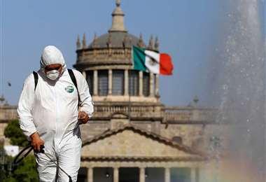 Ciudad de México reduce restricciones ante baja sostenida en casos de covid-19