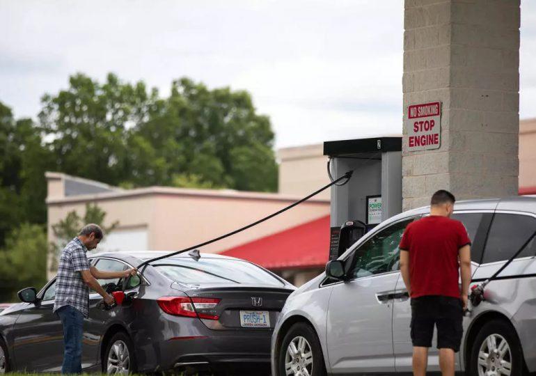Miedo a escasez en EE.UU. provoca alzas en los precios de la gasolina