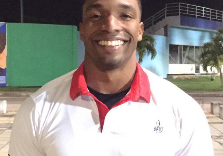 Nadador Denzel González busca clasificación a JJOO y Panamericanos Junior