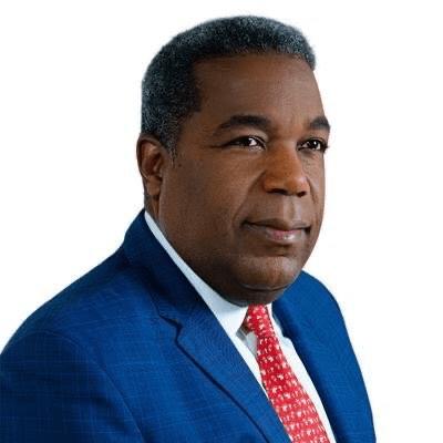 Director del Gabinete de Políticas Sociales es nombrado el funcionario público del mes de abril