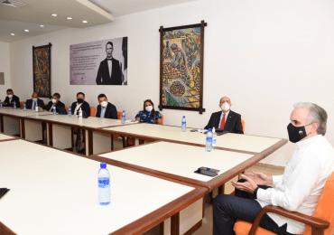 Ministro de Trabajo conforma mesa de diálogo tripartito con el CNSS y CMD