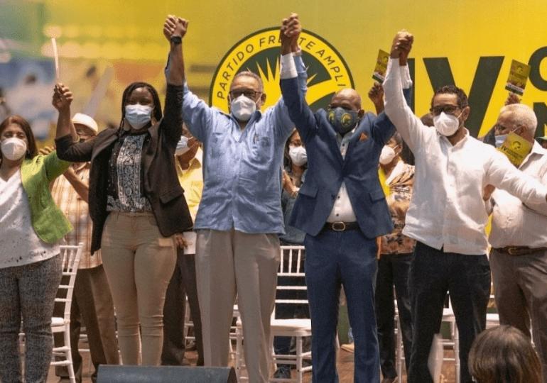 Frente Amplio escoge presidente y secretaria general del partido