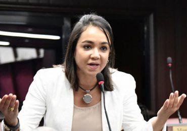 Faride Raful exige a funcionarios de pasada gestión responder por los contratos con Joao Santana