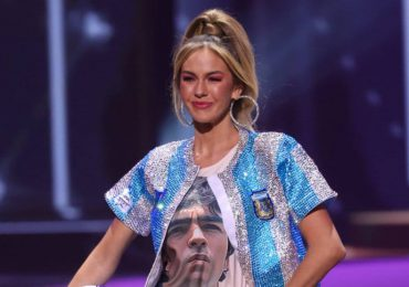 Miss Argentina honra a Maradona en traje típico
