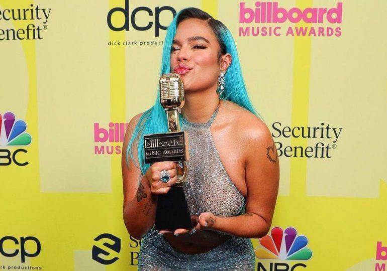 """Karol G gana premio """"Artista Latina del Año"""" en los Billboard"""