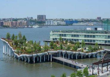 """""""Little Island"""", el nuevo parque que levita sobre el río Hudson en Nueva York"""