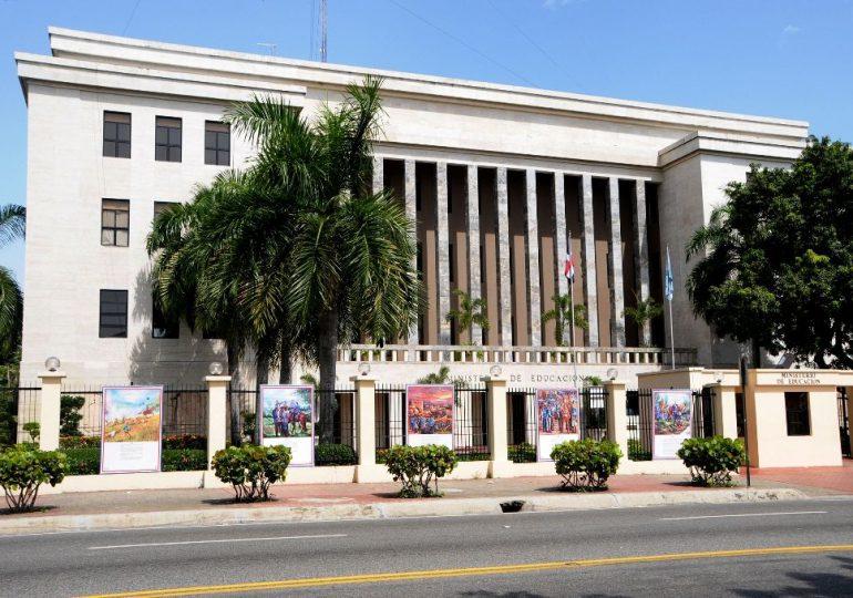 Dirección de Gestión Humana del MINERD realiza levantamiento de su personal administrativo