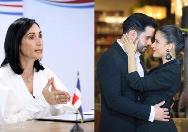 Raquel Arbaje responde alegre a publicación de Manny Cruz sobre salud de su esposa