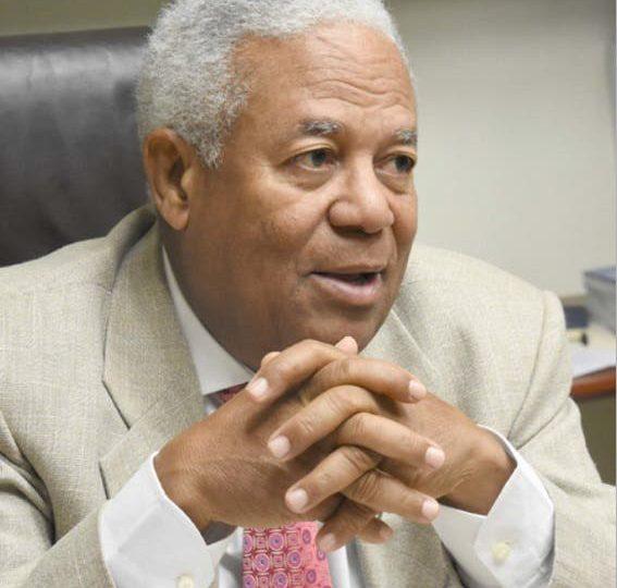 El periodista Osvaldo Santana dejará sus funciones de director en El Caribe