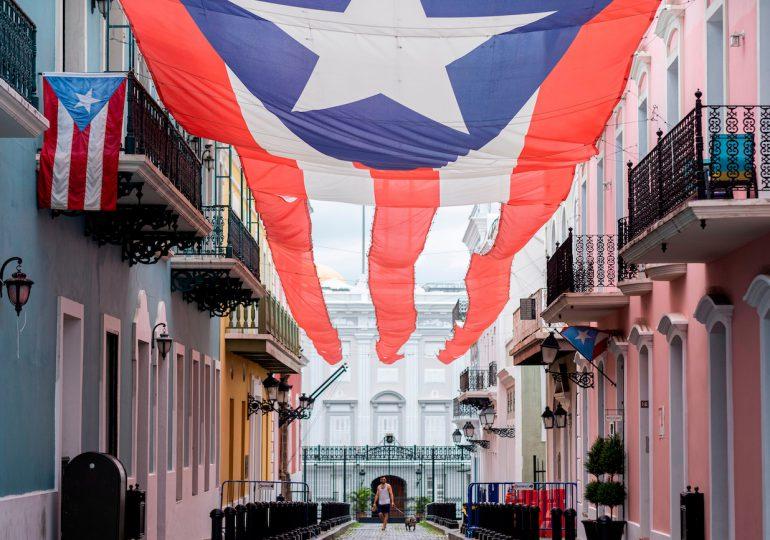Puerto Rico pone fin al  toque de queda y permitirá espectáculos de forma limitada