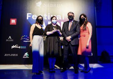 Guadalupe Dipré recibe el Premio al Mejor Corto Iberoamericano de la XIX edición del Festival ADN