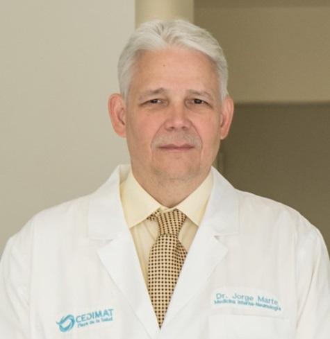 Director Médico de CEDIMAT recibe recertificación del Board Americano de Neumología