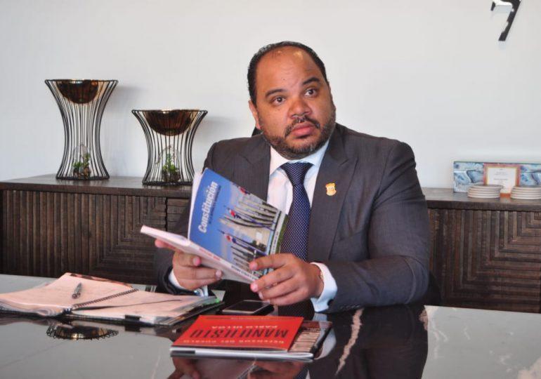 VIDEO | Defensor del Pueblo somete penalmente al director del Inposdom