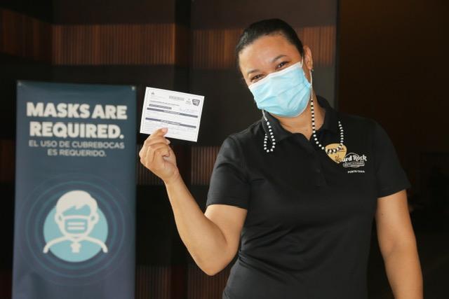 Hard Rock Hotel & Casino Punta Cana aplica a sus empleados primera dosis de la vacuna Covid-19
