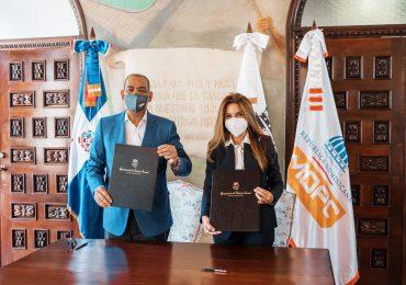 ADN y Obras Públicas firman acuerdo para mejorar infraestructura vial de DN