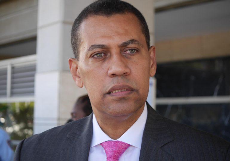 Tribunal revoca archivo definitivo ordenado por Jean Alain en favor de Andy Dauhajre