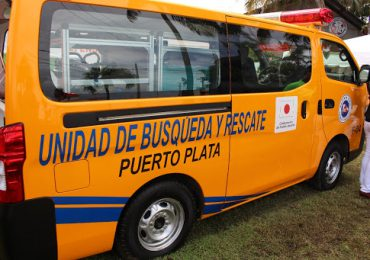Defensa Civil en rescate de personas varadas en Teleférico de Puerto Plata