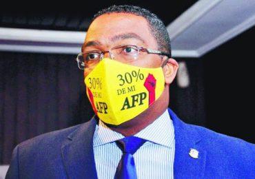 Botello denuncia AFP busca influenciar a diputados para desmontar reclamo de la devolución del 30%