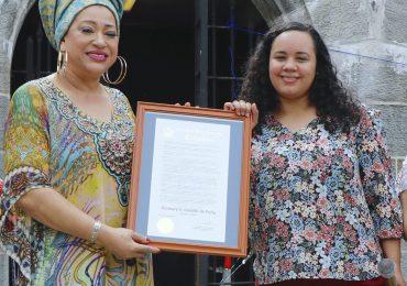 Diomary La Mala es reconocida por Congreso del Estado de NY