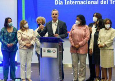 Gobierno conmemora Día Internacional del Trabajador; Abinader asegura están comprometidos con aumento salarial