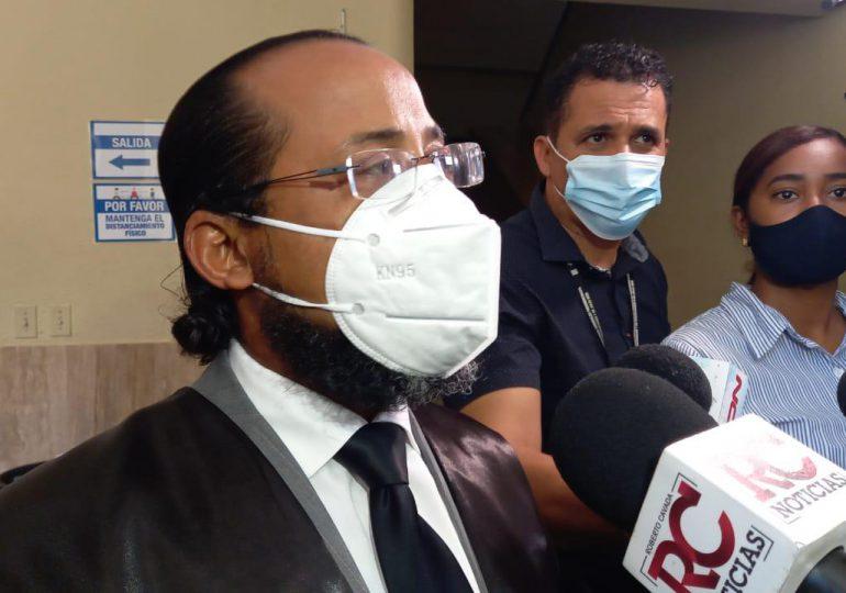 VIDEO   Aplazan para el próximo miércoles conocimiento de coerción a acusada de estafar a la familia Rosario