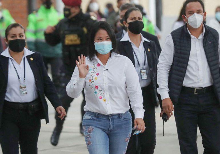 """Keiko Fujimori denuncia """"indicios de fraude"""" en balotaje en Perú"""