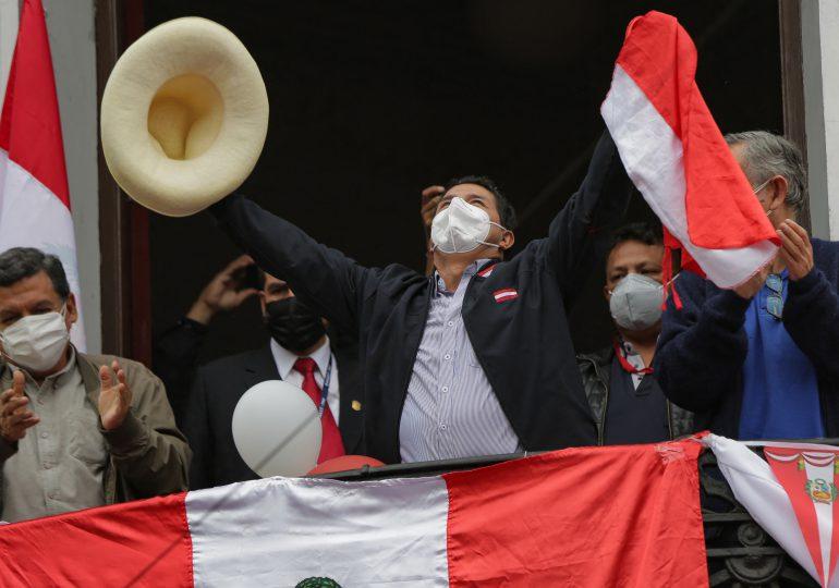 Castillo se pone por delante de Fujimori en el escrutinio del balotaje de Perú