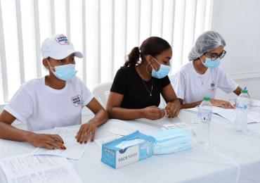 Inicia proceso de vacunación a partir de 12 años en María Trinidad Sánchez
