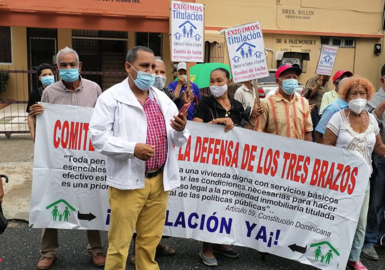 VIDEO | Comunitarios de los Tres Brazos exigen justicia por venta de terrenos