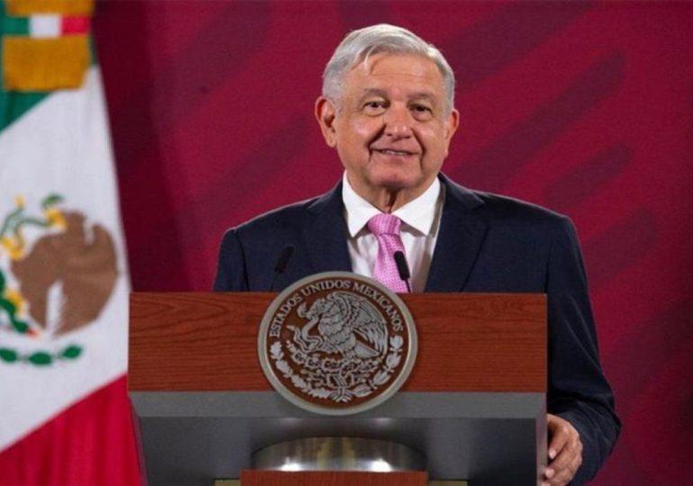 Presidente de México celebra mayoría legislativa de su alianza a pesar de revés en comicios