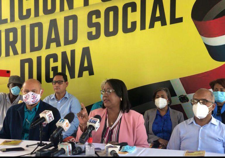 Coalición hace un llamado al Gobierno para reformar el modelo del seguro social, AFP y ARS privadas