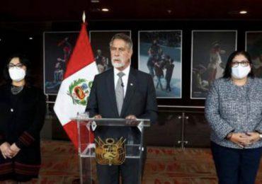 Presidente de Perú rechaza carta de militares que sugieren golpe de Estado