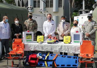 EEUU dona dos centros de operaciones móviles y cinco desfibriladores en apoyo a la lucha contra el COVID-19