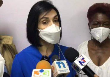 Primera dama promete dar seguimiento a las necesidades planteadas por líderes comunitarios de Monte Plata