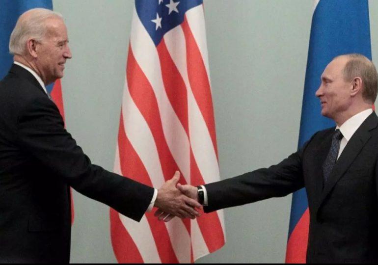 Biden y Putin inician cumbre en Ginebra con un apretón de manos